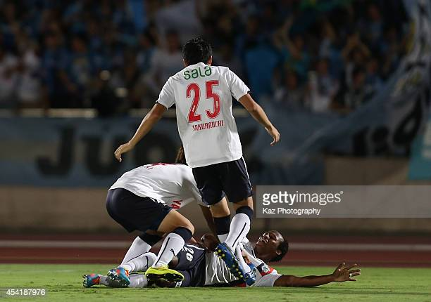 Tinga whose real name is Luiz Otavio Santos de Araujo of Jubilo Iwata celebrates scoring his team's first goal during the J League second division...