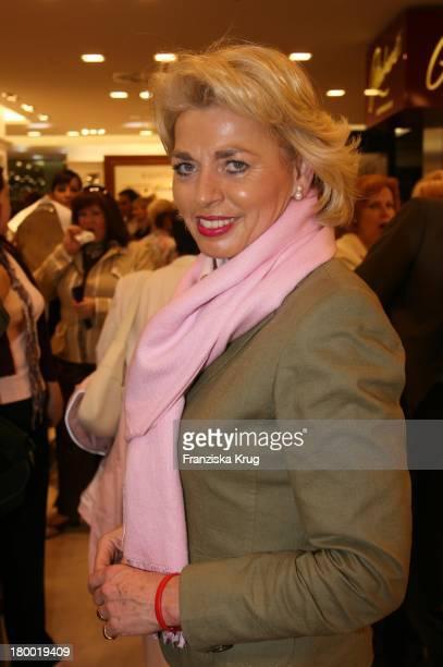 Tini Gräfin Rothkirch Bei Der Eröffnung Des AppelrathCüpper Modehaus In Berlin Auf Der Tauenzienstrasse Am 050906