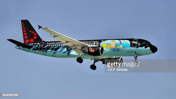 oo-snb - tintin comics livery airbus a320-214, brussels airlines - brussels airlines stock photos and pictures