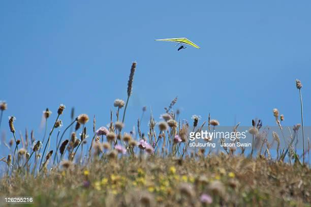 tiny hang glider - s0ulsurfing stock-fotos und bilder