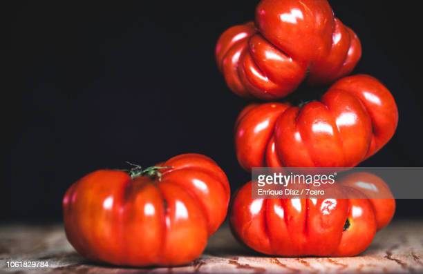 Tiny Heirloom Tomatoes, Raw Shapes
