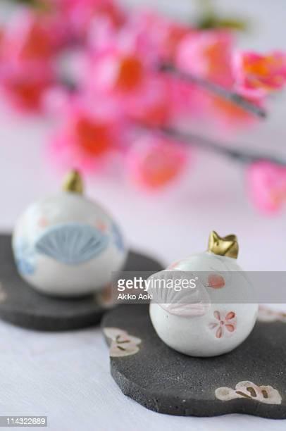 tiny ohinasama - hinamatsuri stock pictures, royalty-free photos & images
