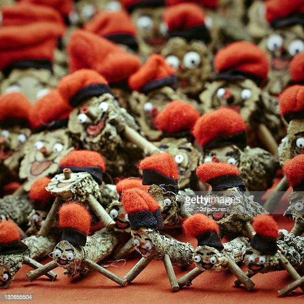 tio de nadal - nadal stock pictures, royalty-free photos & images