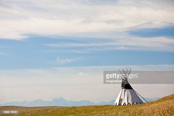 tipi on the great plains - great plains stock pictures, royalty-free photos & images