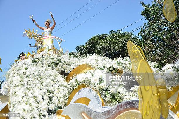 Tipical Dancers groups and floats perform during the the Battle of Flowers parade as part of Barranquilla's carnival on February 06, 2016 in...