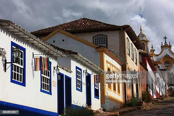 tiradentes , minas gerais , brazil - cité de l'architecture et du patrimoine photos et images de collection