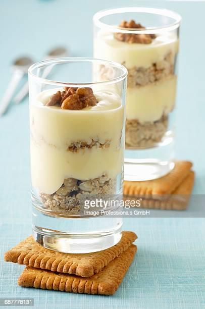 Tiramisu with walnuts and rich tea biscuits