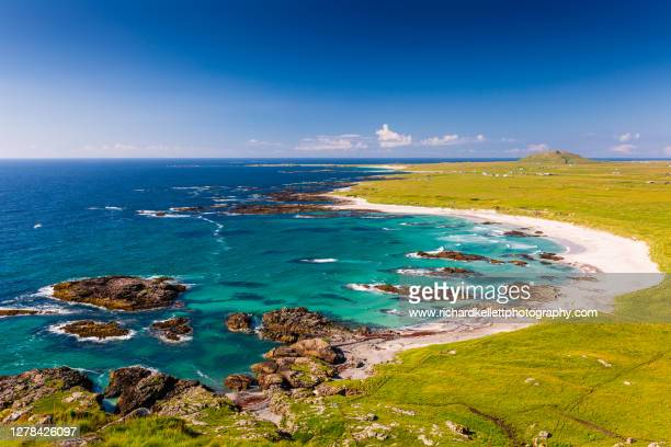 tiree beach view with turquoise sea and white sand - island stock pictures, royalty-free photos & images