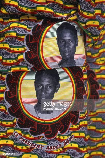 Tissu wax imprimé d'un portrait du président Abdou Diouf en juin 1986 au Sénégal