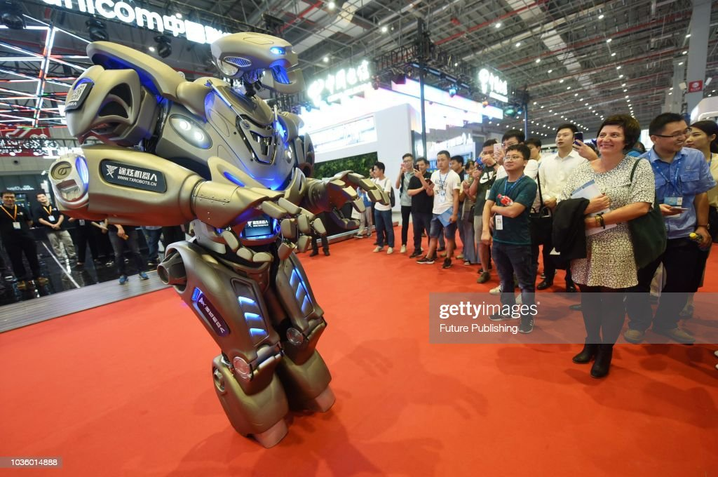 Titan The Robot A Partially Mechanized Robot Costume Created By