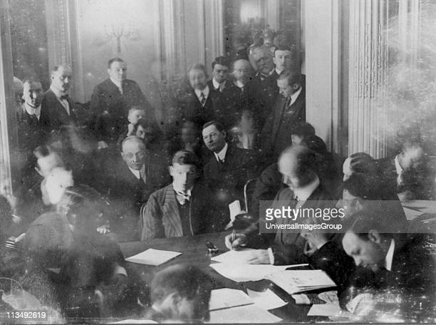 Titanic disaster, 12 April 1912: USA Senate Investigating Committee questioning survivors at the Waldorf Astoria Hotel, New York. The wireless...