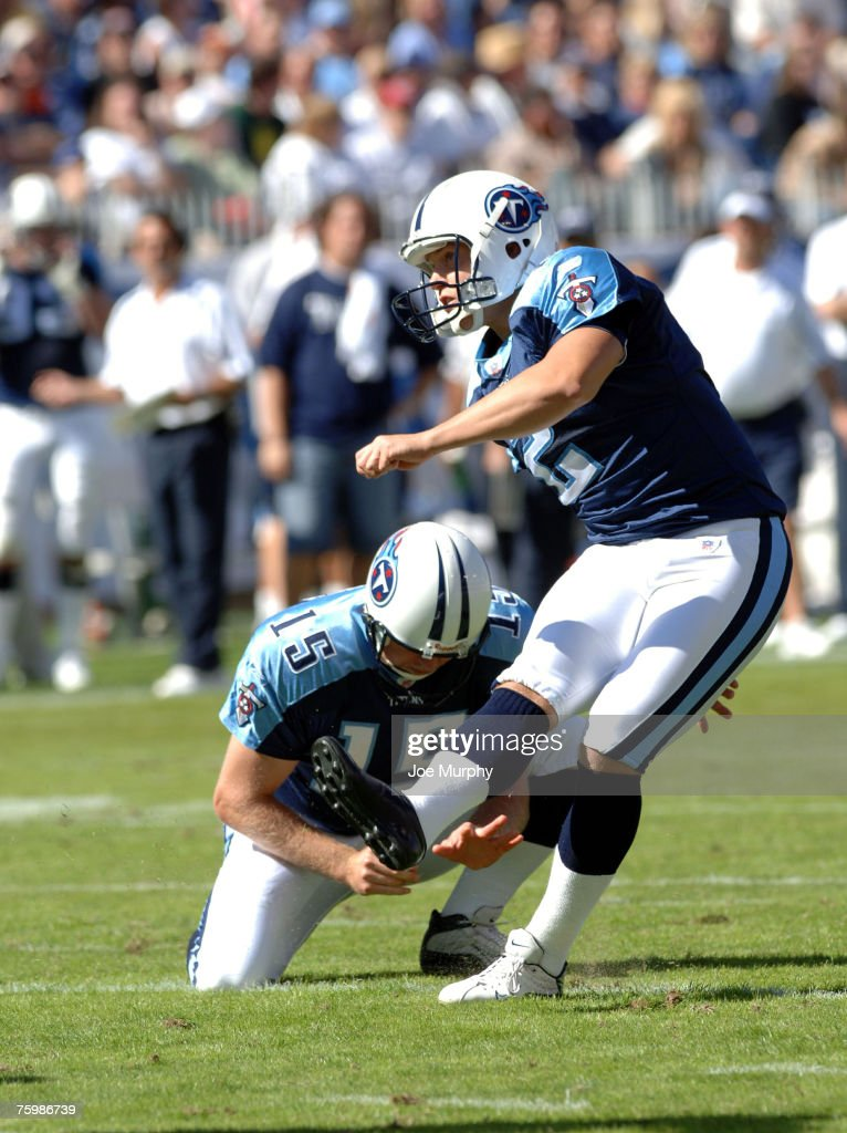 Titans Rob Bironas #2 kicks a field goal.The Cincinnati Bengals beat the Tennessee Titans 31-23 on October 15, 2005.