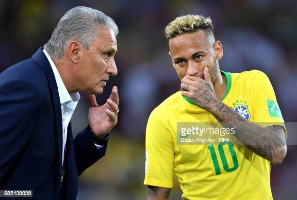 Tite Head coach of Brazil gives instructions to Neymar Jr during the 2018 FIFA World Cup Russia group E match between Serbia and Brazil at Spartak...
