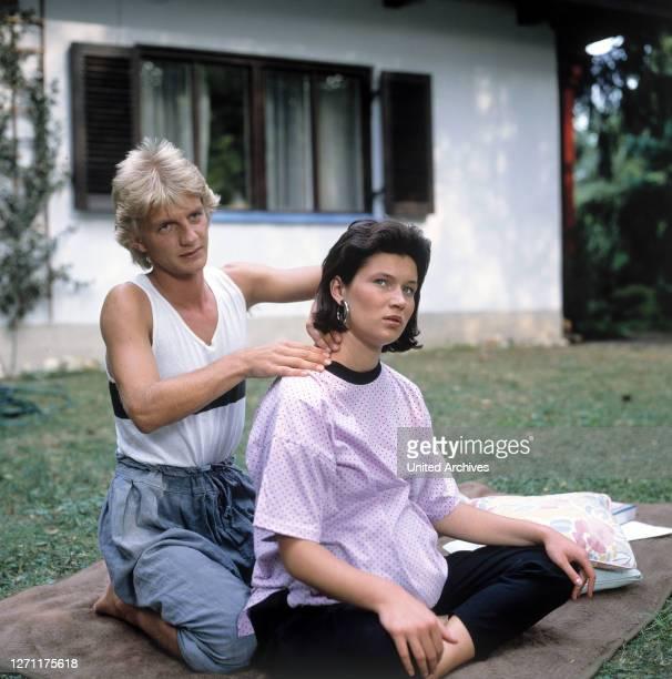 Titian D 1990 / Erich Neureuther SÖHNKE WORTMANN, JULIA HEINEMANN in der Folge: 'Titian'. / D 1990.