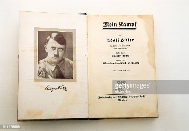 MEIN KAMPF 1938 Titlepage and facing page of the 1938 edition of German Chancellor Adolf Hitler's 'Mein Kampf' Munich Germany 1938 joko ullstein bild