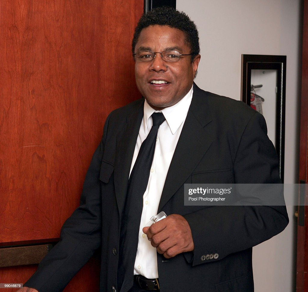 Tito Jackson at his brothers (Jackson) molestation trial at the Santa Barbara County Courthouse in Santa Maria, California. March 10, 2005.