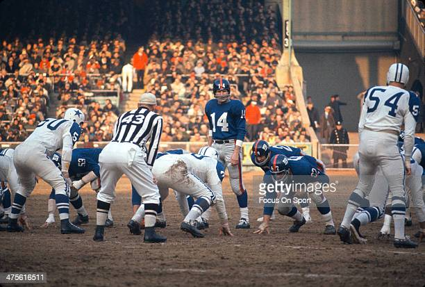 YA Tittle of the New York Giants in action against the Dallas Cowboys during an NFL football game October 20 1963 at Yankee Stadium in the Bronx...