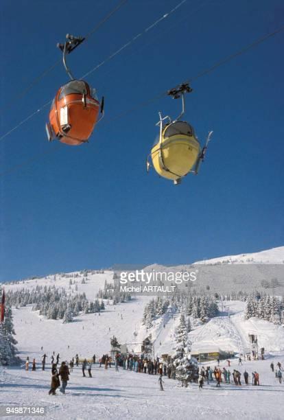 Télésiège de la station de ski de Courchevel en février 1976 France
