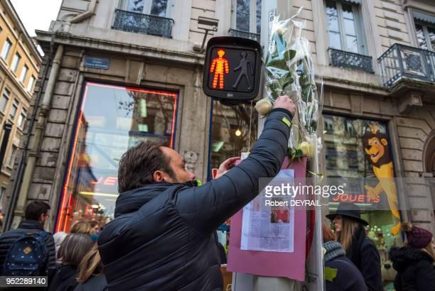 Témoignage de soutien des habitants lors de la marche blanche en hommage à AnneLaure Moreno victime d'un chauffard le 3 décembre 2016 à Lyon France