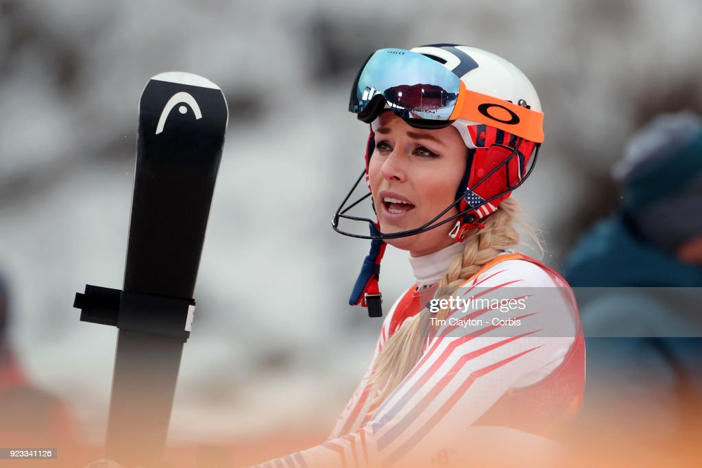 't'n Lindsey Vonn #22 from the United States after falling to finish the slalom during the Alpine Skiing - Ladies' Alpine Combined Slalom at Jeongseon Alpine Centre on February 22, 2018 in PyeongChang, South Korea.