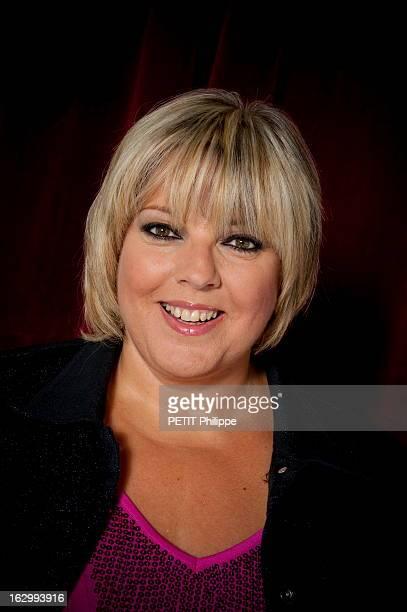 Tnt Star Presenters Les présentateurs 'stars' de la TNT portrait de face souriant de Laurence BOCCOLINI
