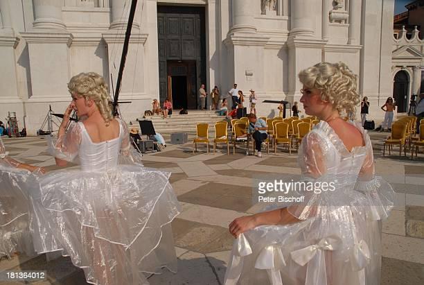 Tänzerinnen vom MDR Deutsches Fernsehballett Dreharbeiten zum Musikfilm Eine Nacht in Venedig mit K R I E M H I L D J A H N Basilica San Giorgio...