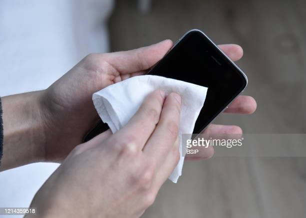 To avoid microbial contamination: clean your phone.