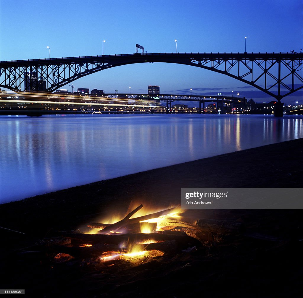 To build a fire in Portland, and then to watch it : Stock Photo