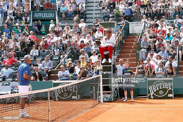 To celebrate the 30th anniversary of his victory at Roland Garros in 1983 Yannick Noah had fun by arbitrating a Doubles Match of the tournament of...