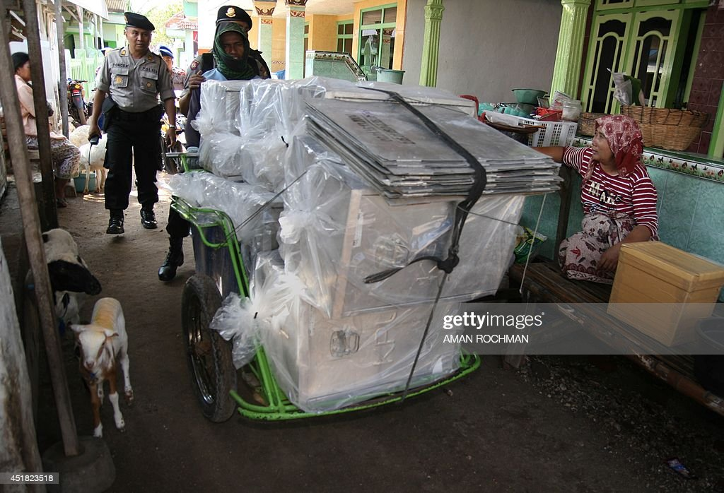 INDONESIA-ELECTION-LOGISTICS : Fotografía de noticias