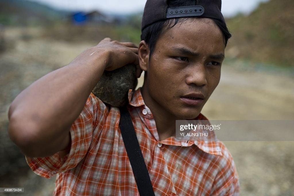 MYANMAR-CHINA-MINING-ECONOMY-POLITICS-RESOURCES : News Photo