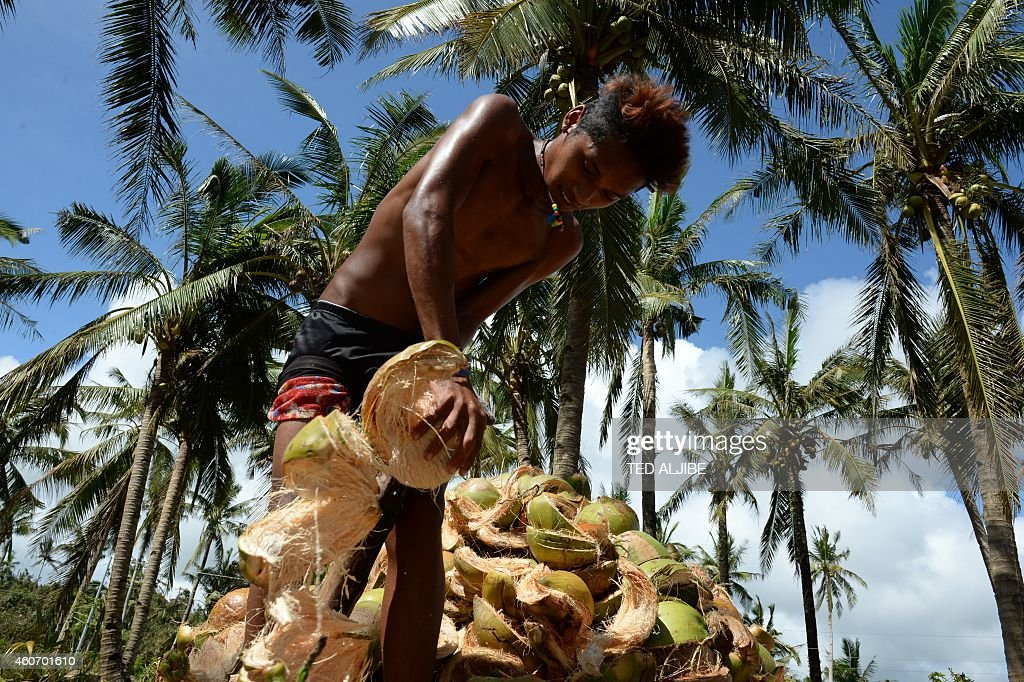 PHILIPPINES-WEATHER-TYPHOON-POVERTY : News Photo