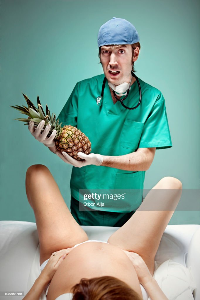 To have a pineapple : Stock Photo