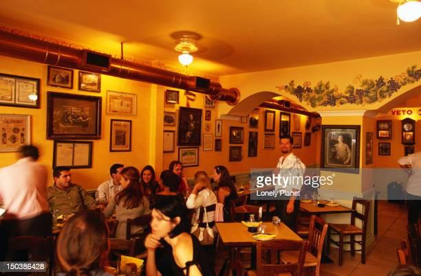 To Kraspoulio tou Kokkora historic music taverna.