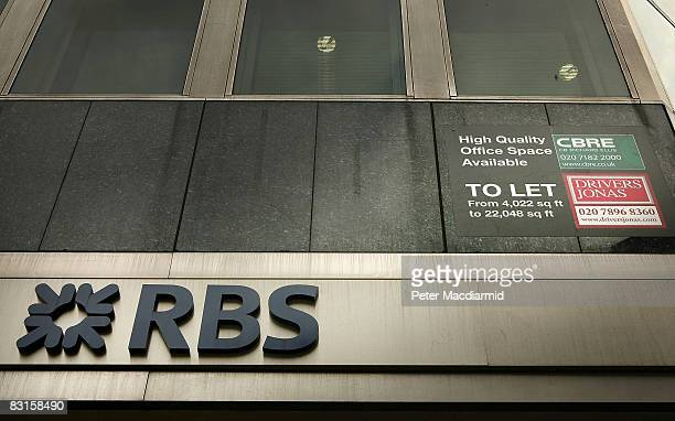A to let sign is displayed in offices above a branch of The Royal Bank of Scotland on October 7 2008 in London Financial markets continue to...