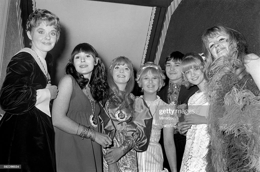 "World Premiere of ""Here we go round the Mulberry bush"" at the London Pavillion Barry Evans and the girls who star with h : News Photo"