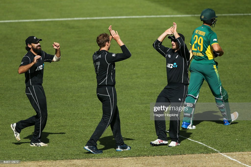 New Zealand v South Africa - 3rd ODI
