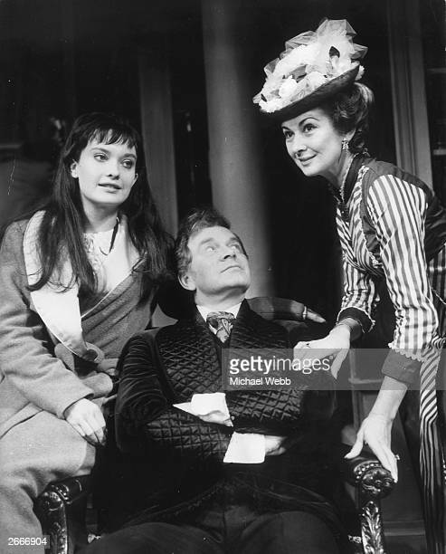 L to r Nicola Pagett as Nora Lambert Tony Britton as Roger Lawrence and Dinah Sheridan as Isabel Keith in 'A Boston Story at the Duchess Theatre A...