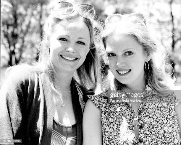 L to R Trish Stewart and Kay Heberley stars in the TV series The Young and the Restless arrived in Sydney today on a 7 day holiday November 12 1977