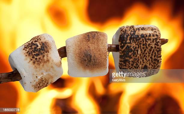 Des marshmallows grillés