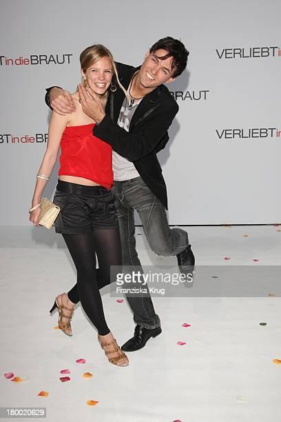 Tobey Wilson Und Freundin Lisa Kessler Bei Der Premiere Von Verliebt In Die Braut Im Cinestar Am Potsdamer Platz In Berlin Am 130508
