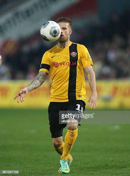 Tobias Kempe Einzelbild Aktion Dynamo Dresden zweite Bundesliga Sport Fußball Fussball Stadion der Freundschaft Cottbus Herren DFL Saison 2013