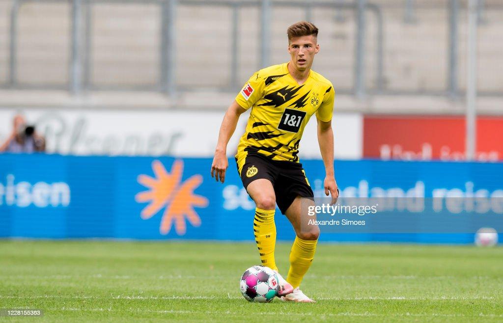 Borussia Dortmund v Feyenoord Rooterdam - Schauinsland-Reisen Cup Der Traditionen : News Photo