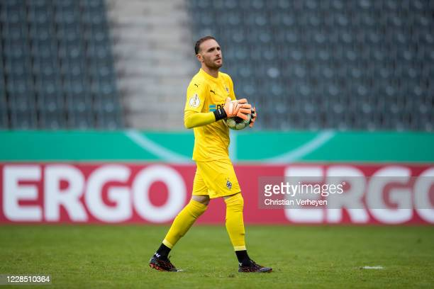 Tobias Sippel of Borussia Moenchengladbach in action during the first round DFB Cup match between FC Oberneuland and Borussia Moenchengladbach at...
