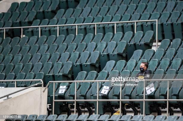 Tobias Sippel of Borussia Moenchengladbach is seen during the Bundesliga match between Borussia Moenchengladbach and Bayer 04 Leverkusen at...