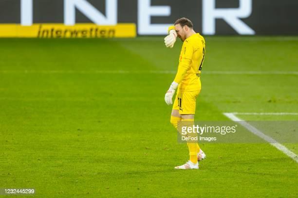 Tobias Sippel of Borussia Moenchengladbach looks dejected during the Bundesliga match between TSG Hoffenheim and Borussia Moenchengladbach at...