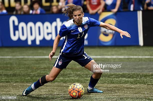 Tobin Heath of the United States handles the ball during the women's soccer match against China at the MercedesBenz Superdome on December 16 2015 in...