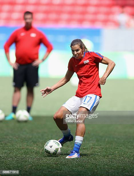 Tobin Heath of United States warms up before playing against Sweden during the Women's Football Quarterfinal match at Mane Garrincha Stadium on Day 7...