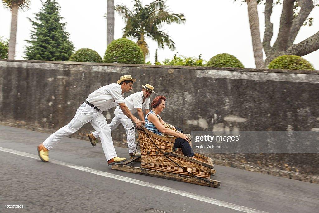 Toboggans or Wicker Sledges, Madeira, Portugal : Foto de stock