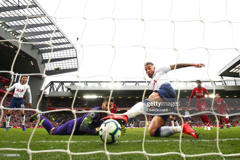 Liverpool FC v Tottenham Hotspur - Premier League : News Photo